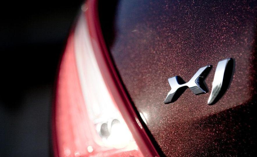2011 Jaguar XJ Supercharged - Slide 24