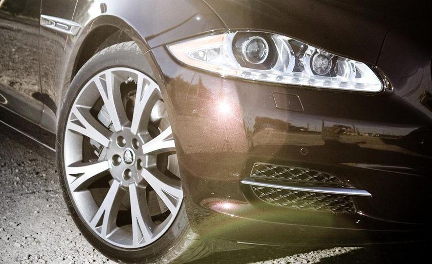 2011 Jaguar XJ Supercharged - Slide 19