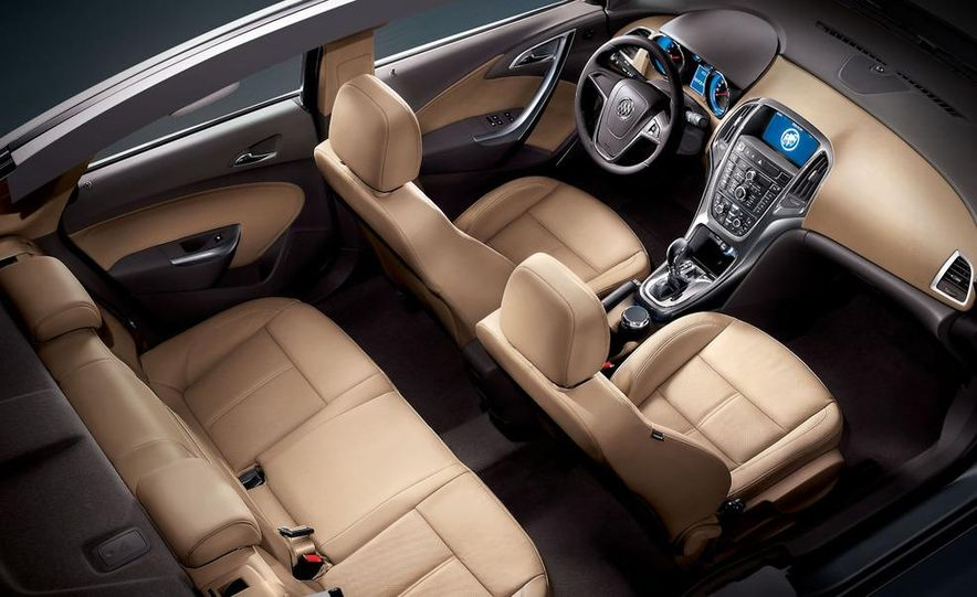 2010 Buick Excelle GT - Slide 7