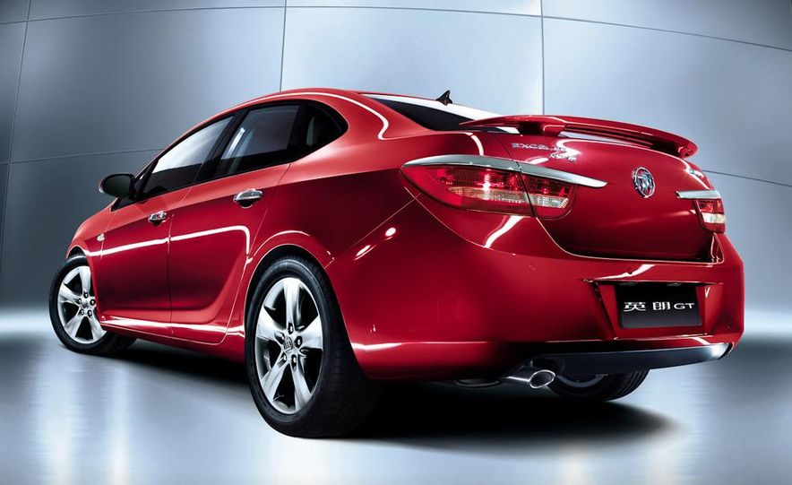 2010 Buick Excelle GT - Slide 11