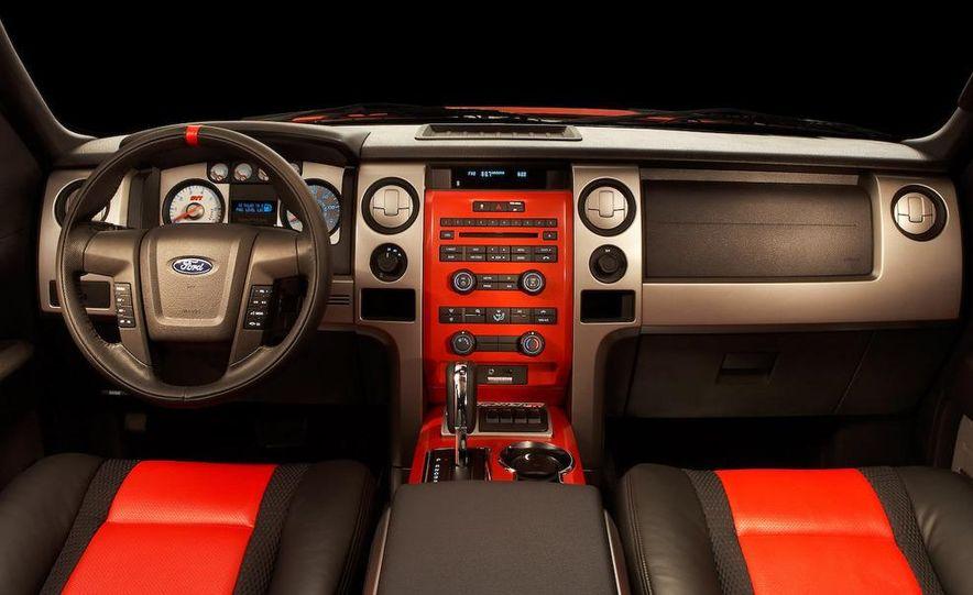 2011 Ford F-150 SVT Raptor SuperCrew - Slide 27