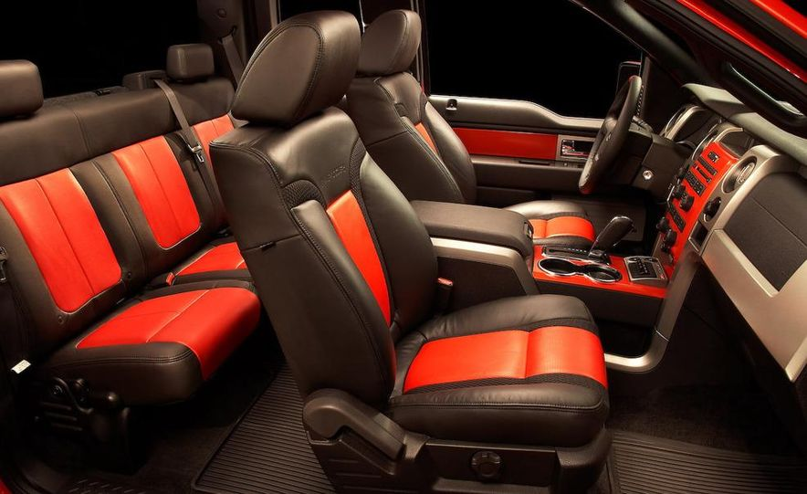 2011 Ford F-150 SVT Raptor SuperCrew - Slide 28