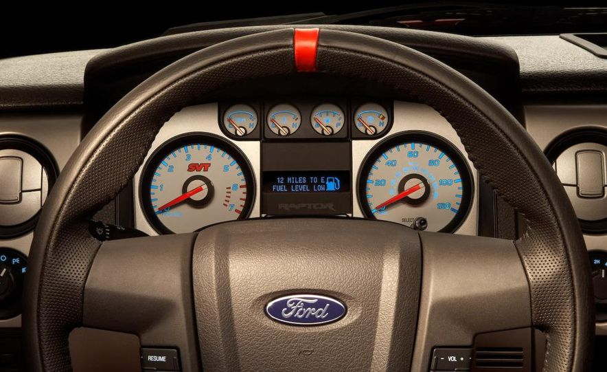 2011 Ford F-150 SVT Raptor SuperCrew - Slide 30