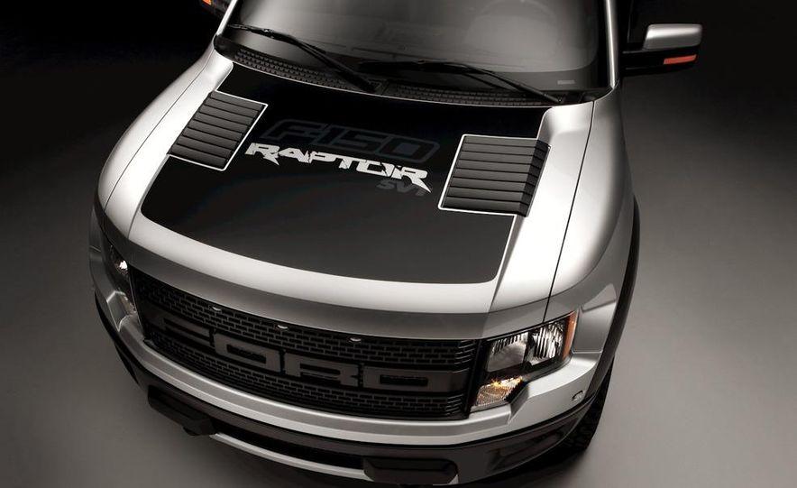 2011 Ford F-150 SVT Raptor SuperCrew - Slide 7