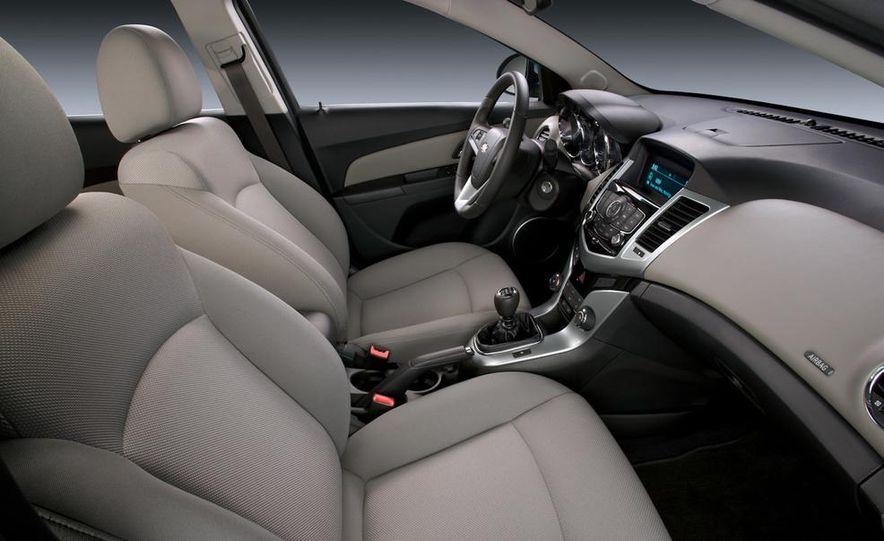Chevrolet Cruze hatchback concept - Slide 67