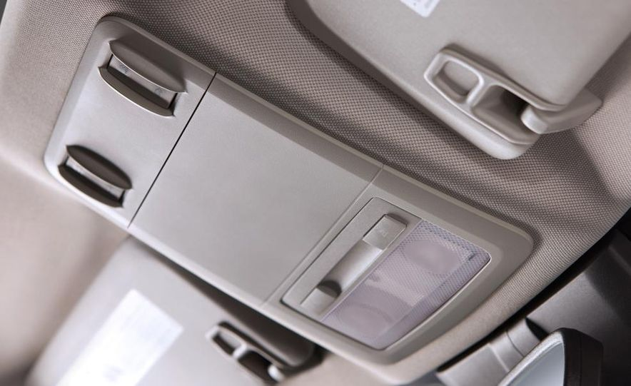 Chevrolet Cruze hatchback concept - Slide 68