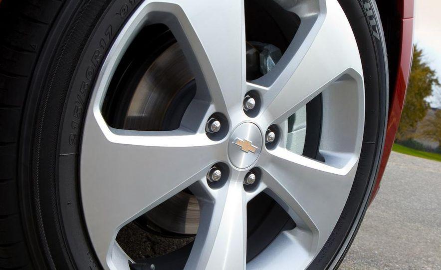 Chevrolet Cruze hatchback concept - Slide 55