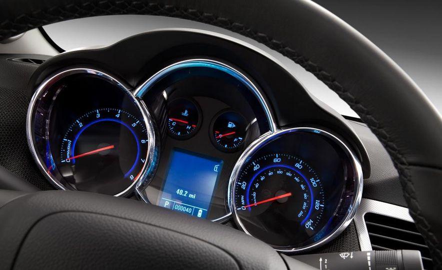 Chevrolet Cruze hatchback concept - Slide 29
