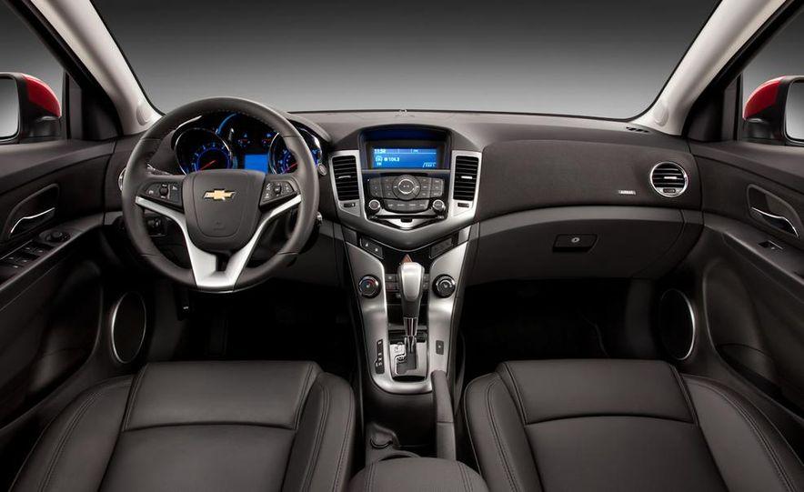 Chevrolet Cruze hatchback concept - Slide 24