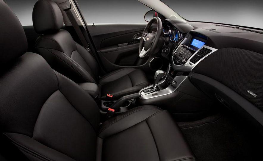 Chevrolet Cruze hatchback concept - Slide 27