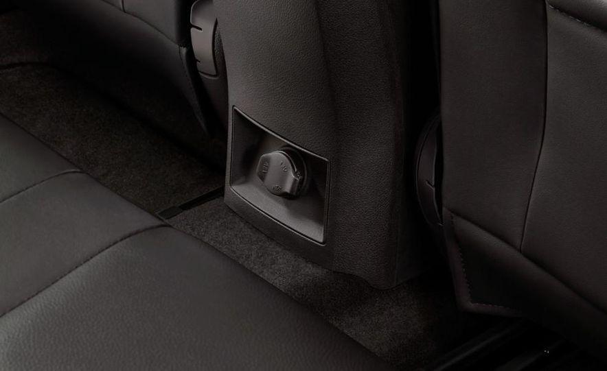 Chevrolet Cruze hatchback concept - Slide 30