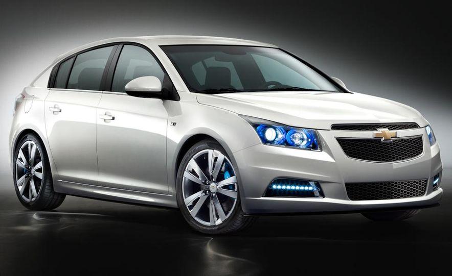 Chevrolet Cruze hatchback concept - Slide 15