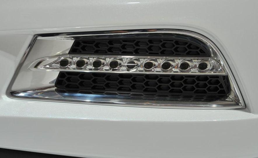 Chevrolet Cruze hatchback concept - Slide 12