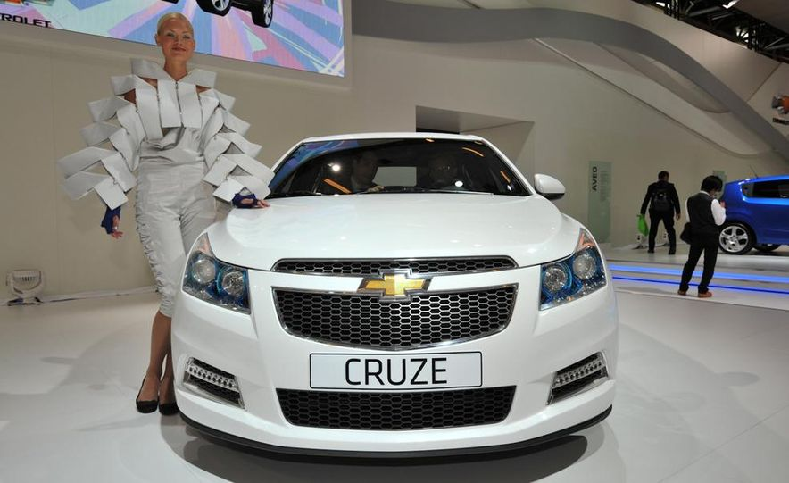 Chevrolet Cruze hatchback concept - Slide 4