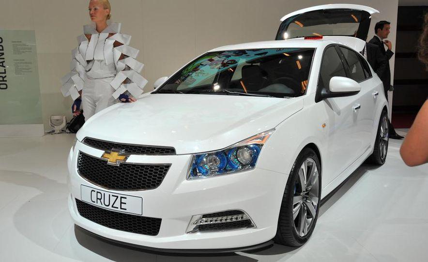 Chevrolet Cruze hatchback concept - Slide 5