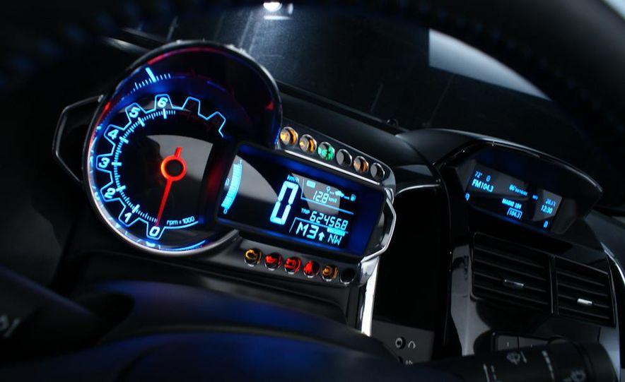 2012 Chevrolet Aveo 5-door - Slide 23