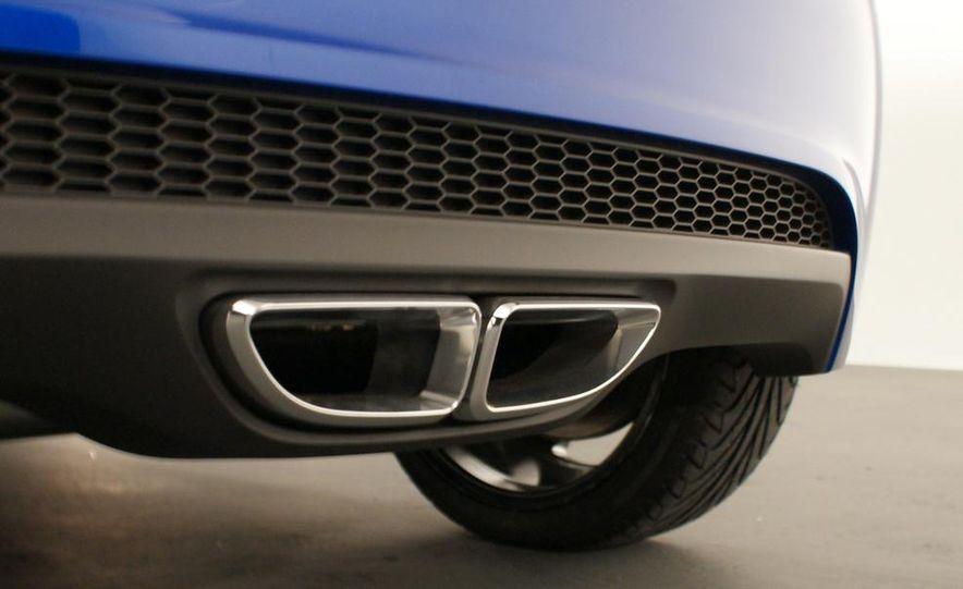 2012 Chevrolet Aveo 5-door - Slide 17