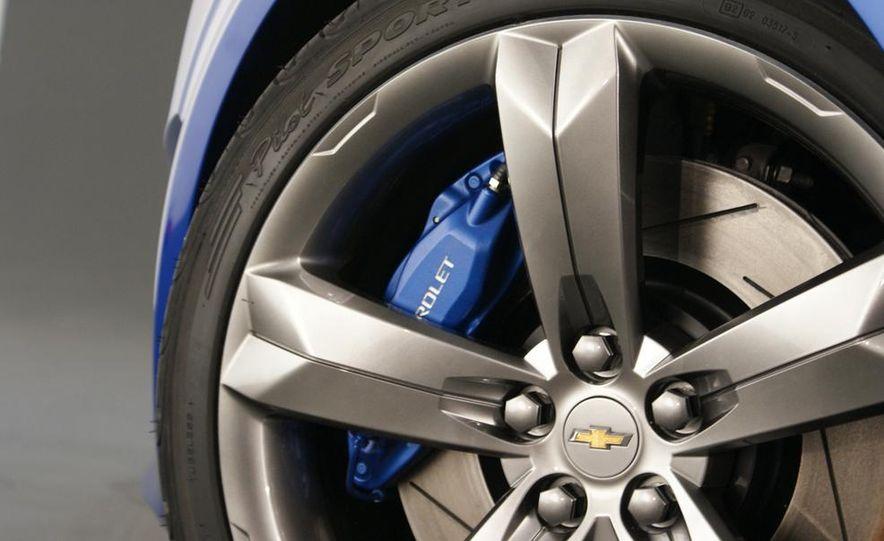 2012 Chevrolet Aveo 5-door - Slide 20