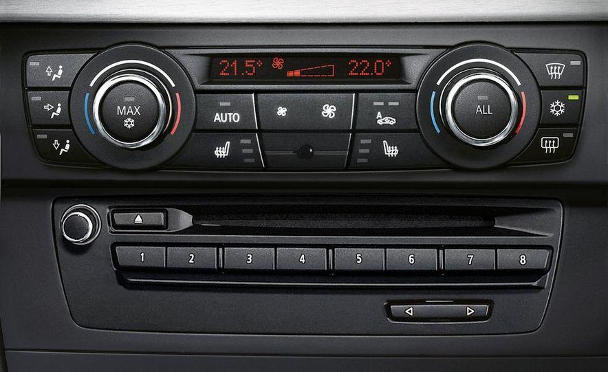 2011 BMW 335i coupe (European spec) - Slide 30