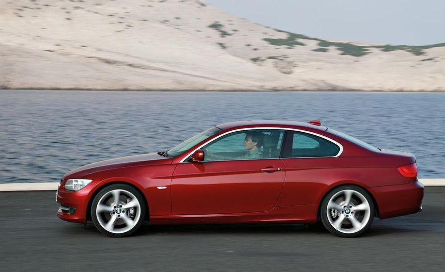 2011 BMW 335i coupe (European spec) - Slide 1