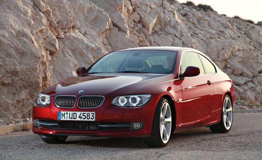 2011 BMW 335i coupe (European spec) - Slide 2