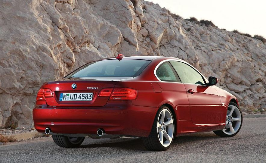 2011 BMW 335i coupe (European spec) - Slide 3