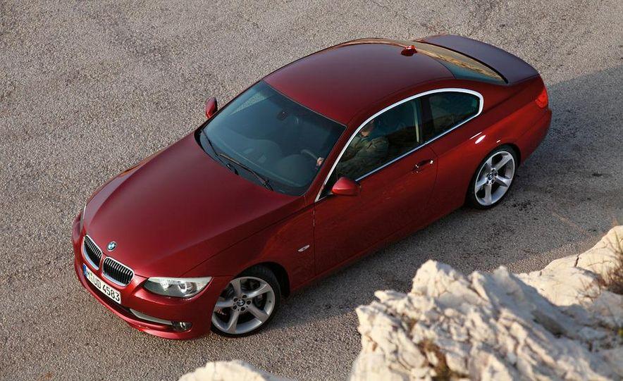 2011 BMW 335i coupe (European spec) - Slide 5