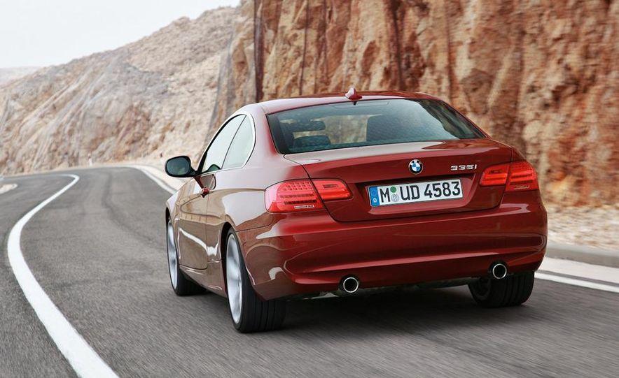 2011 BMW 335i coupe (European spec) - Slide 12