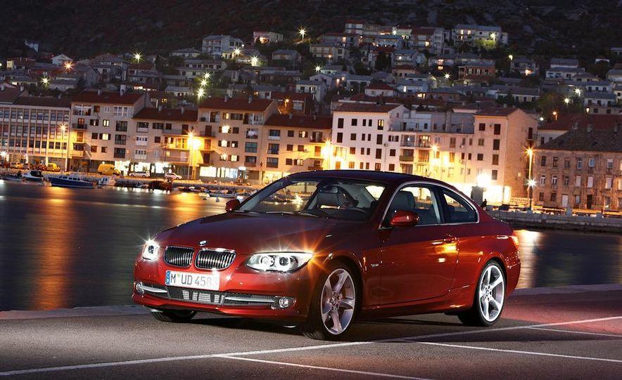 2011 BMW 335i coupe (European spec) - Slide 21