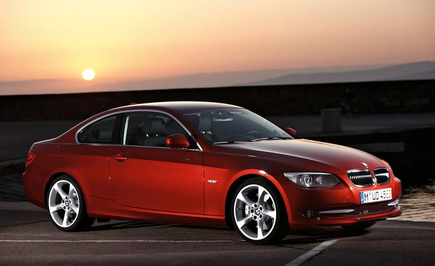 2011 BMW 335i coupe (European spec) - Slide 22
