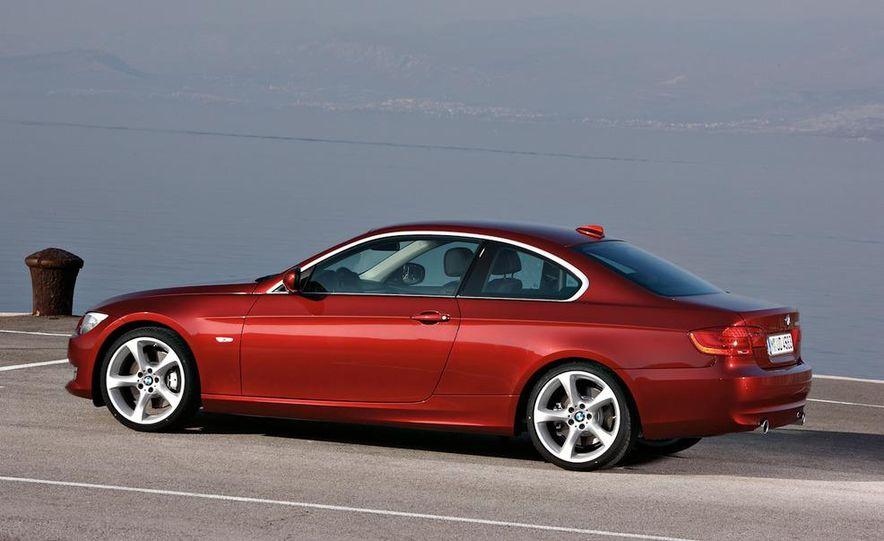 2011 BMW 335i coupe (European spec) - Slide 24