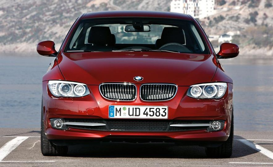 2011 BMW 335i coupe (European spec) - Slide 26