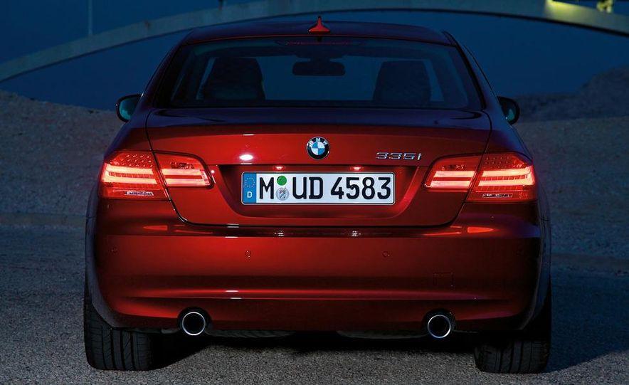 2011 BMW 335i coupe (European spec) - Slide 27