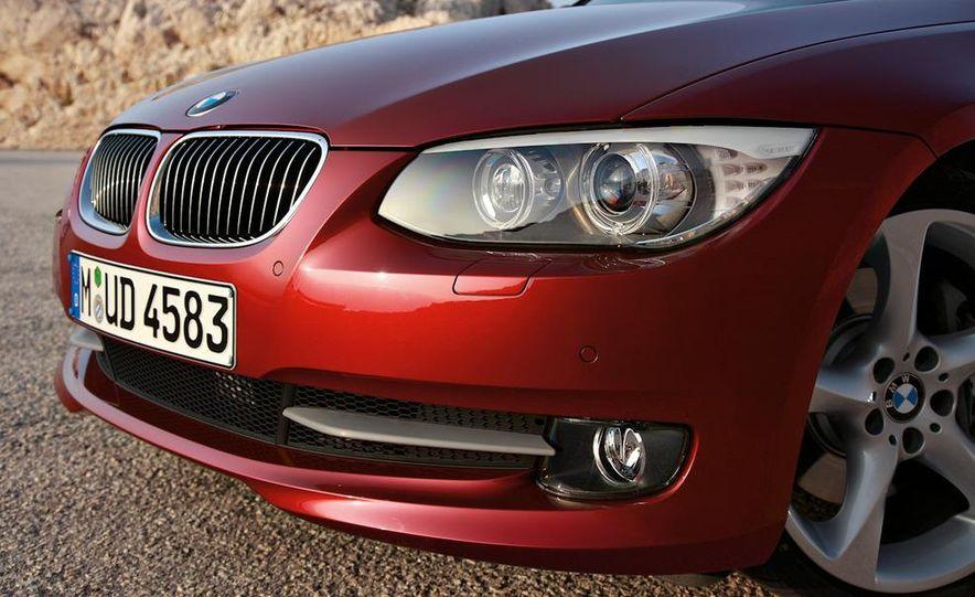2011 BMW 335i coupe (European spec) - Slide 4