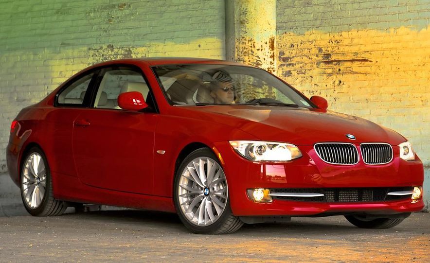 2011 BMW 335i coupe (European spec) - Slide 19