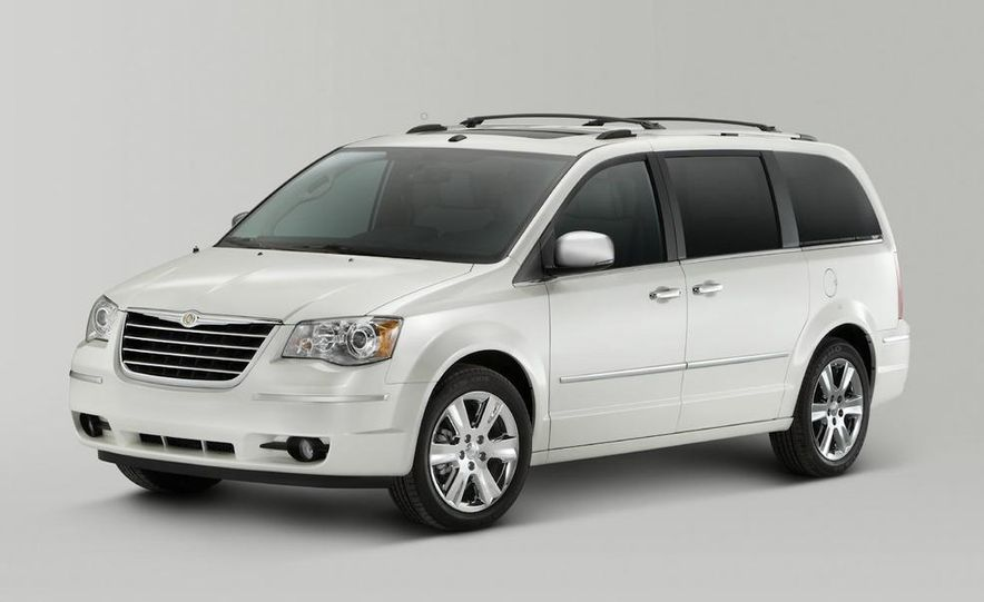 2011 Chrysler Town & Country - Slide 24