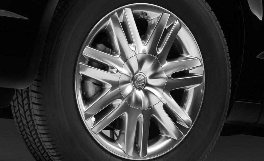 2011 Chrysler Town & Country - Slide 27