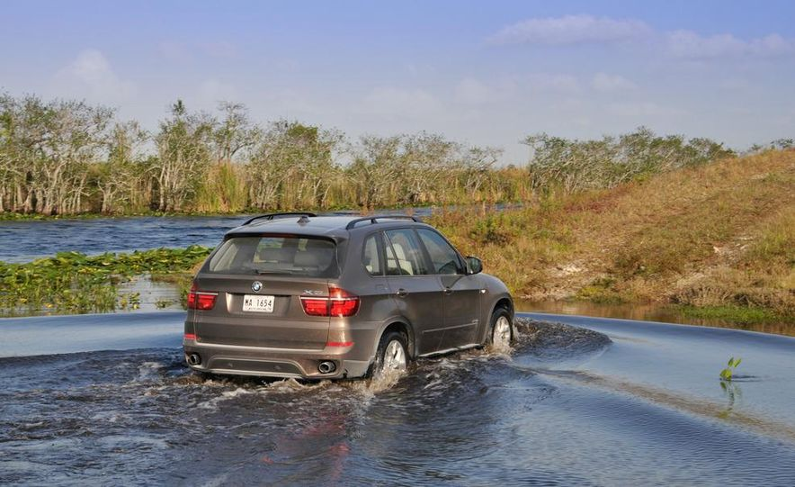 2011 BMW X5 xDrive35i (European spec) - Slide 26