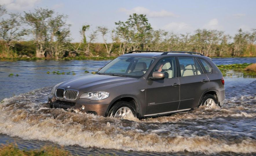 2011 BMW X5 xDrive35i (European spec) - Slide 28