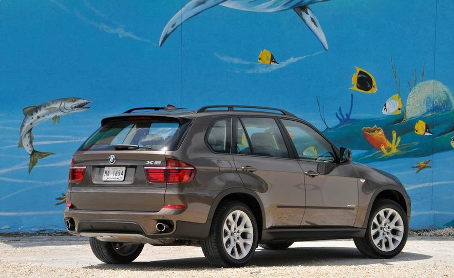 2011 BMW X5 xDrive35i (European spec) - Slide 24
