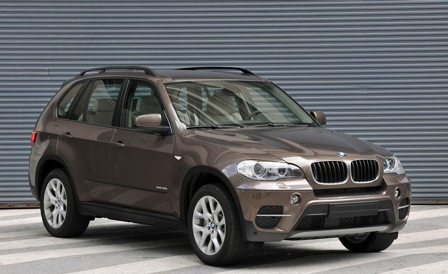 2011 BMW X5 xDrive35i (European spec) - Slide 1