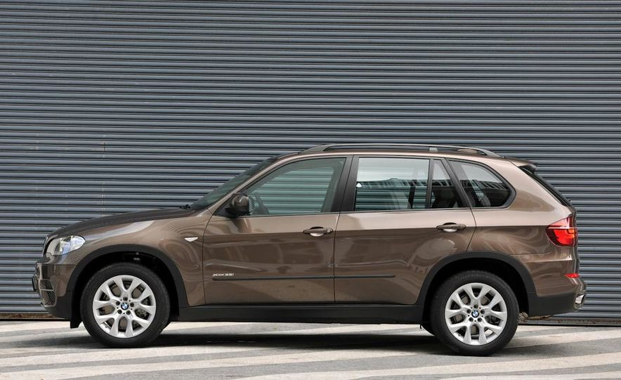 2011 BMW X5 xDrive35i (European spec) - Slide 3