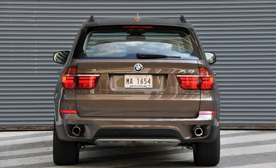 2011 BMW X5 xDrive35i (European spec) - Slide 4