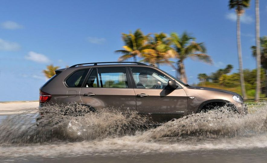 2011 BMW X5 xDrive35i (European spec) - Slide 27