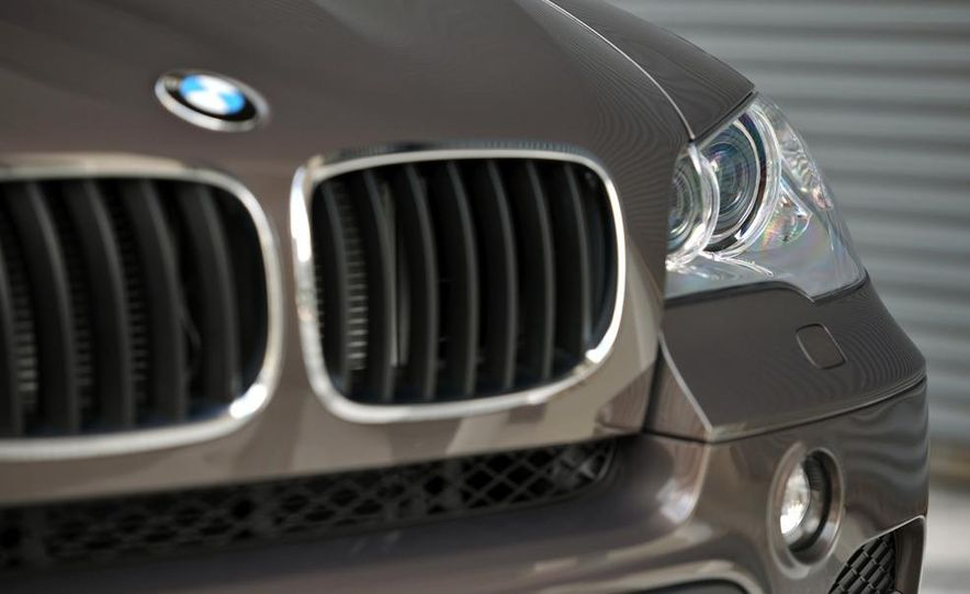2011 BMW X5 xDrive35i (European spec) - Slide 13