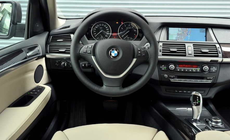 2011 BMW X5 xDrive35i (European spec) - Slide 46