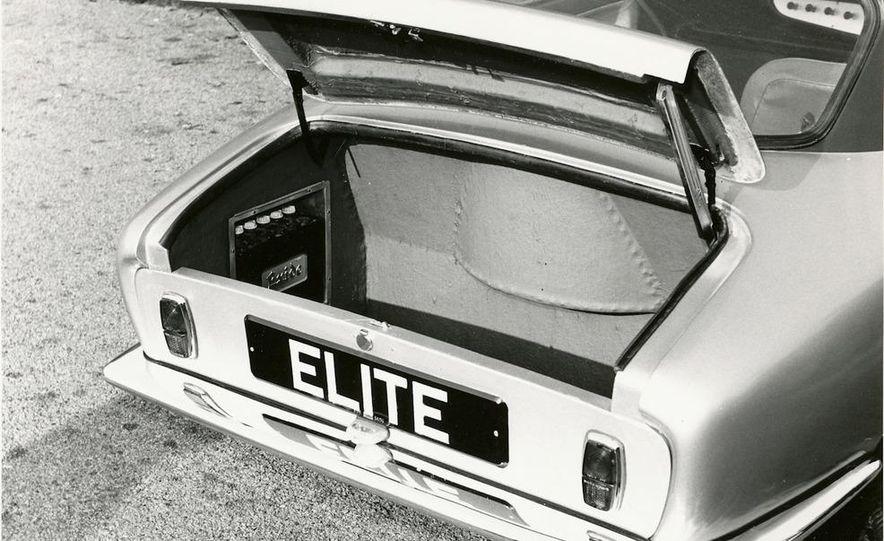 2014 Lotus Elite - Slide 26
