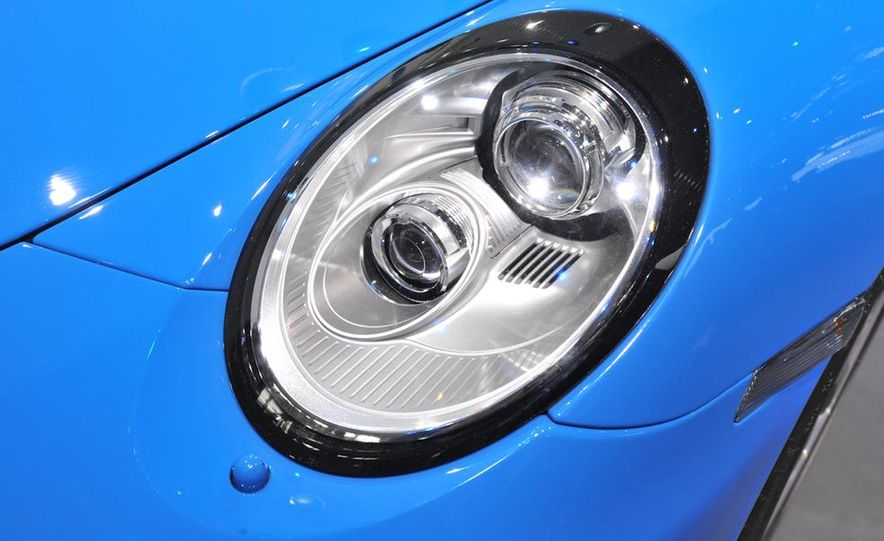 2011 Porsche 911 Speedster - Slide 14