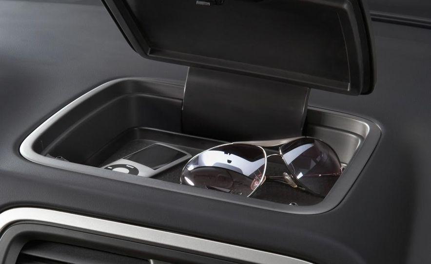 2011 Dodge Caliber - Slide 15