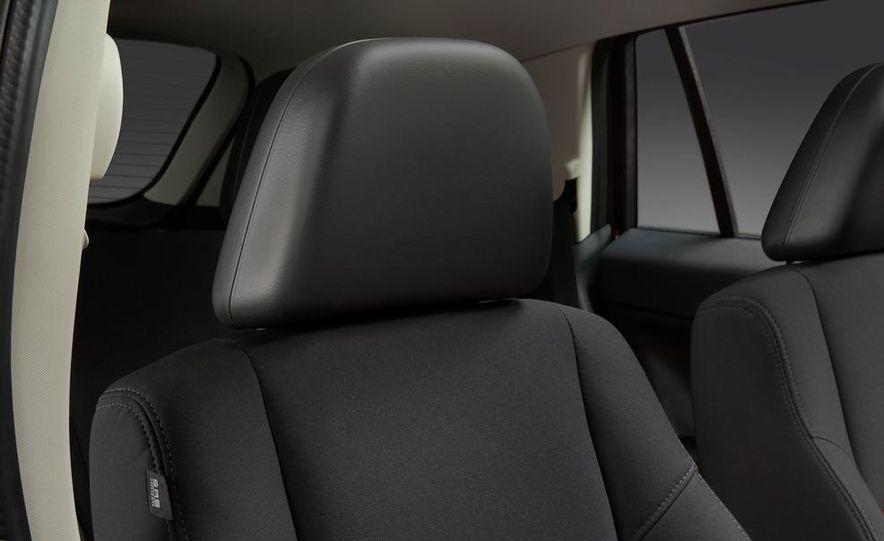 2011 Dodge Caliber - Slide 20